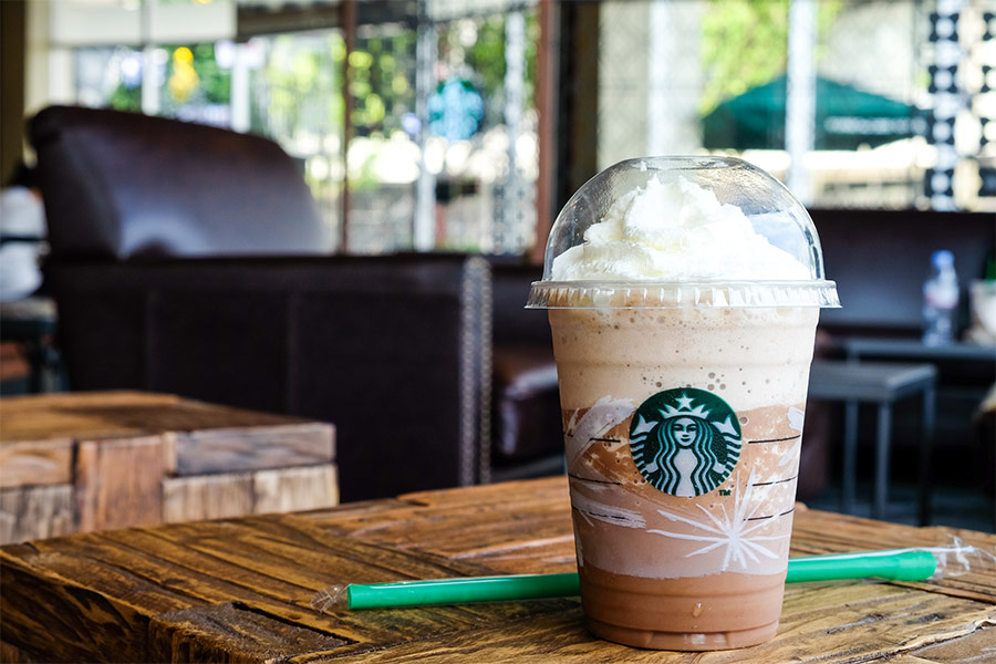Fedoras, beanies & dyed hair - Starbucks relaxes uniform requirements